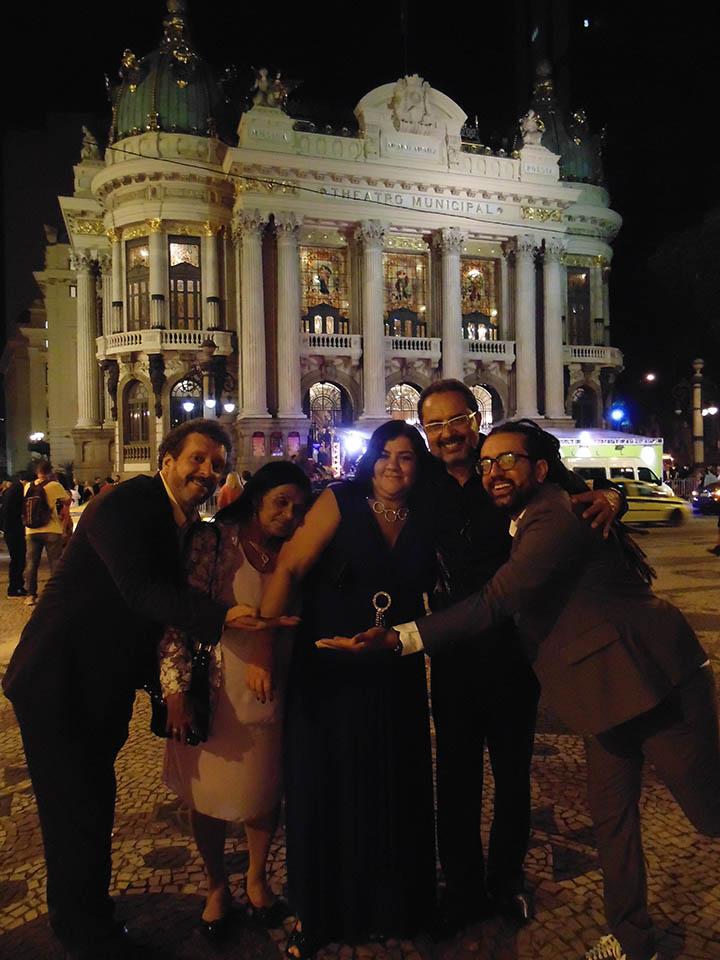 foto 4 - equipe no Theatro - RJ
